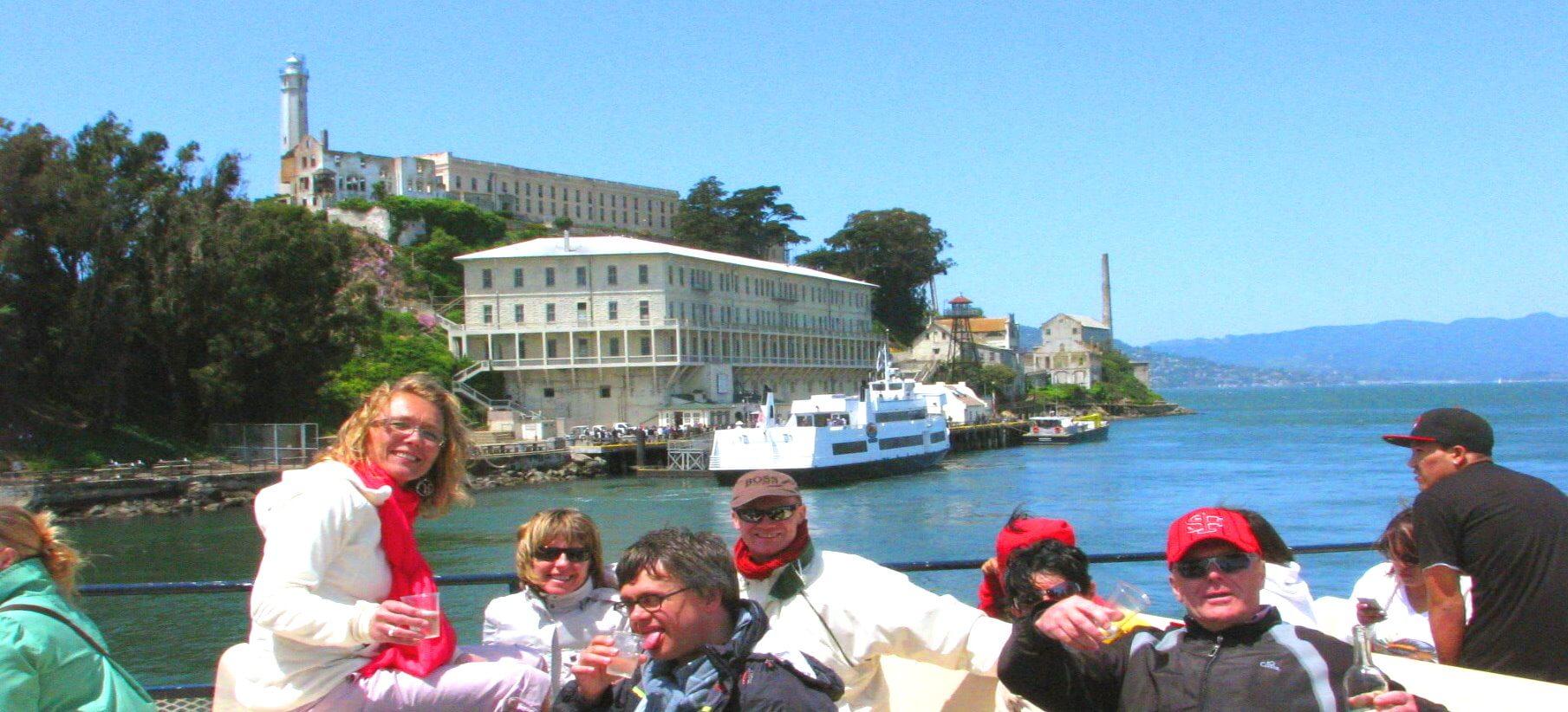 alcatraz-ferry-ride-tour-around-alcatraz-island-prison
