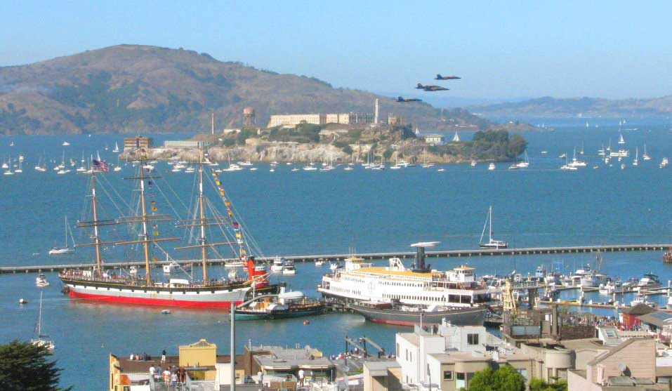 Alcatraz-island-sightseeing-city-tour-views-from-san-Francisco-