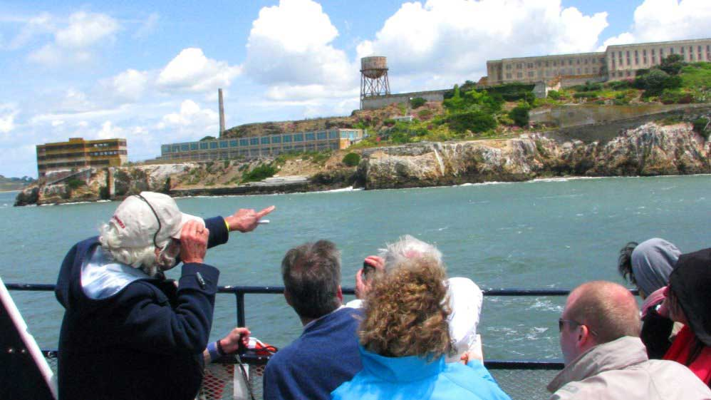 Escape-from-the-Rock-Cruise-tour-around-Alcatraz-Island-guided-ferry-trip-