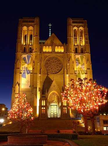 San-Francisco-City-Night-Evening-tours-Non-Hill-Grace-Cathedral-
