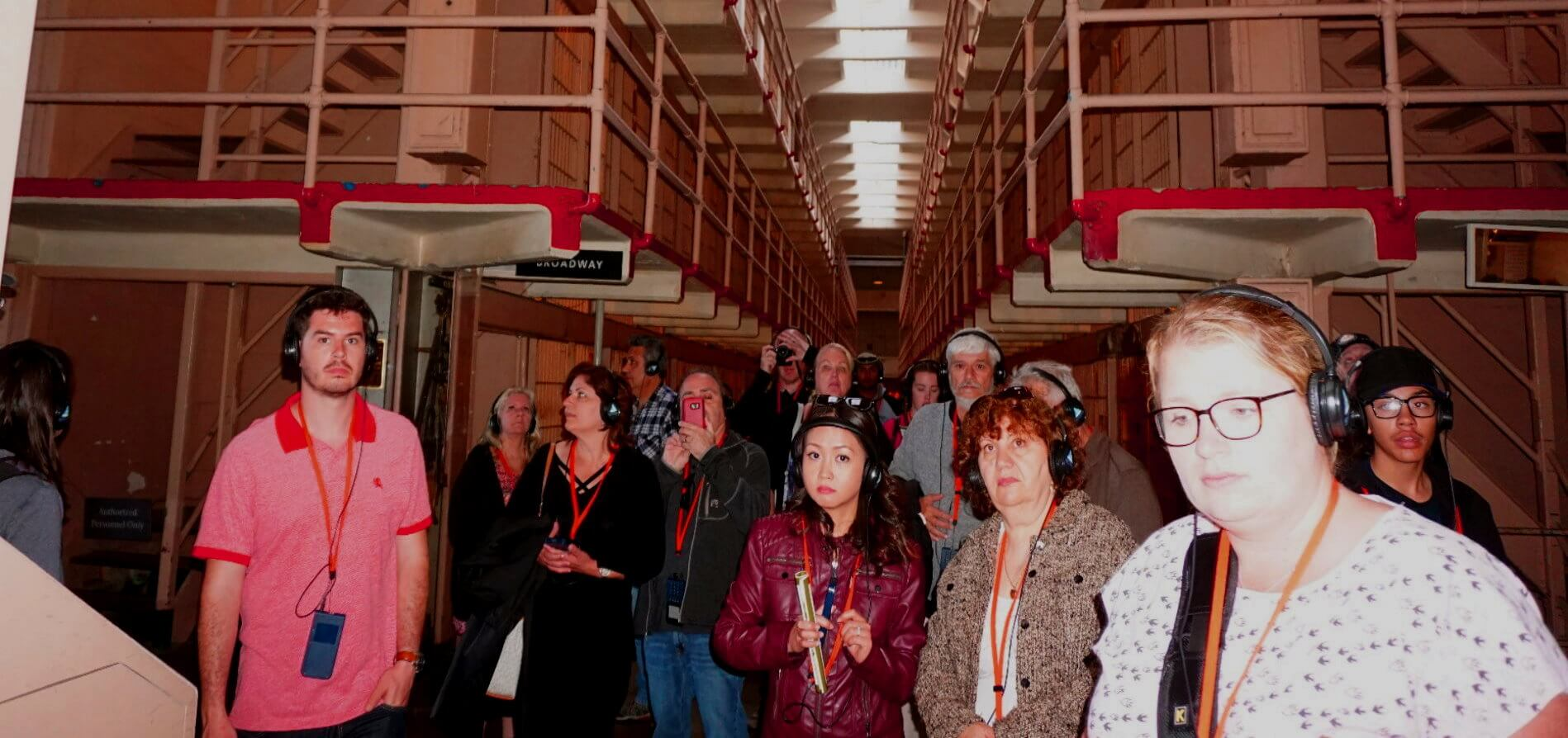 alcatraz_prison_night_tour_vs_day_trips_of_alcatraz_island_jail