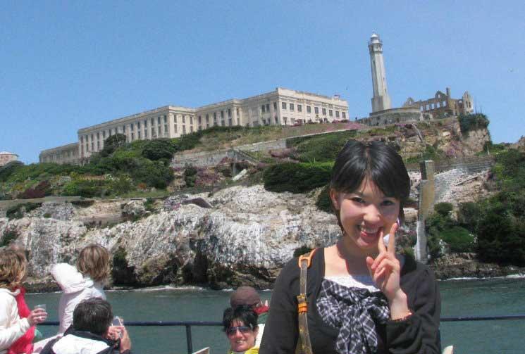 around-alcatraz-island-prison-boat-tour-san-francisco-bay-