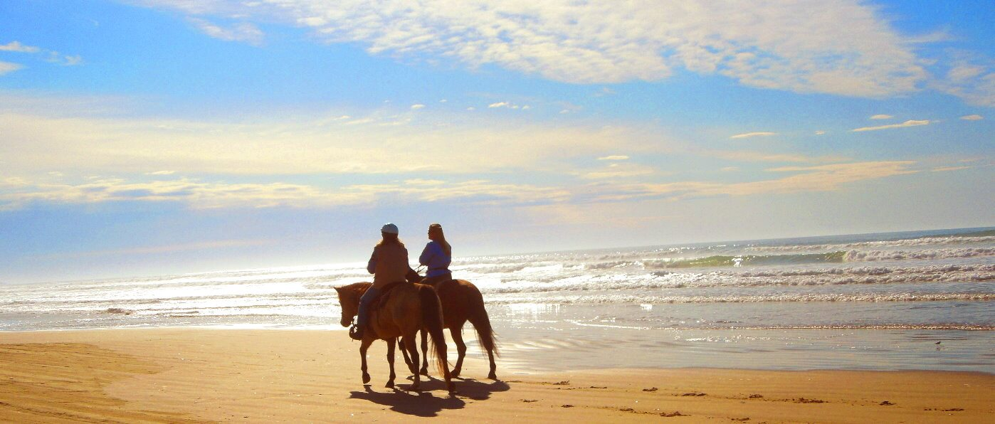 los-mejores-paseos-a-caballo-en-la-playa-y-lecciones