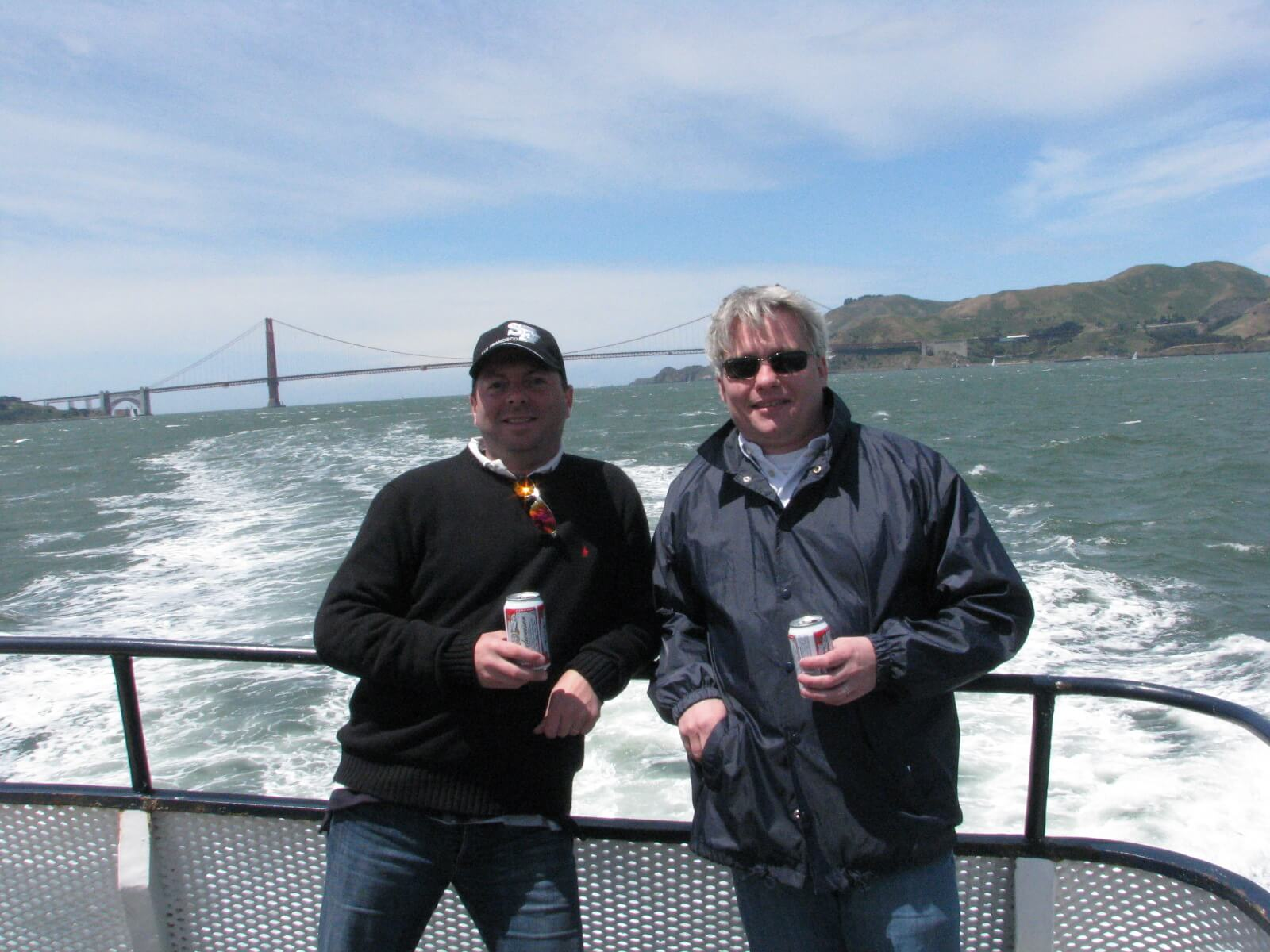 san_francisco_bay_tours_boat_cruises_around_the_bay_under_the_golden_gate_bridge