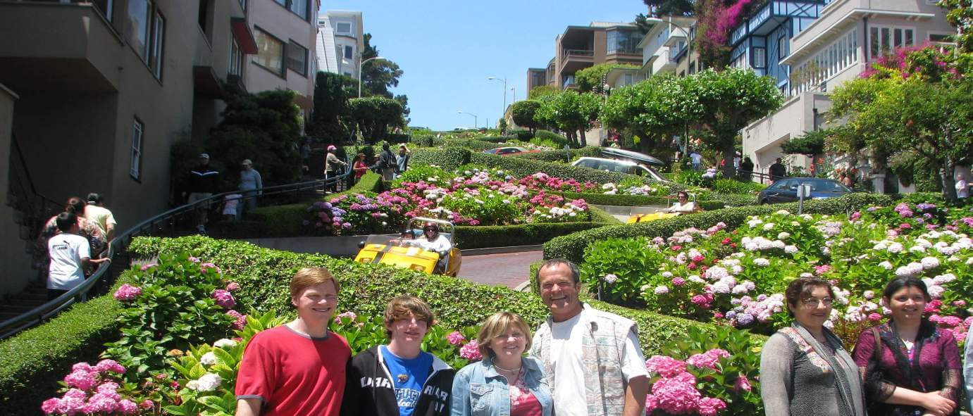 san_francisco_bucket_listof_best_things_to_do_in_the_fun_city_by_the_bay_lombard_street