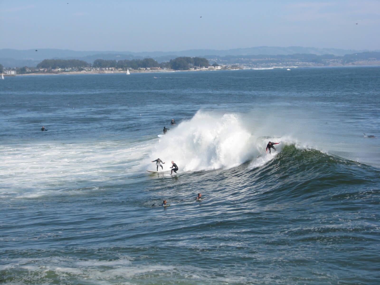 surfers_santa_cruz_beaches