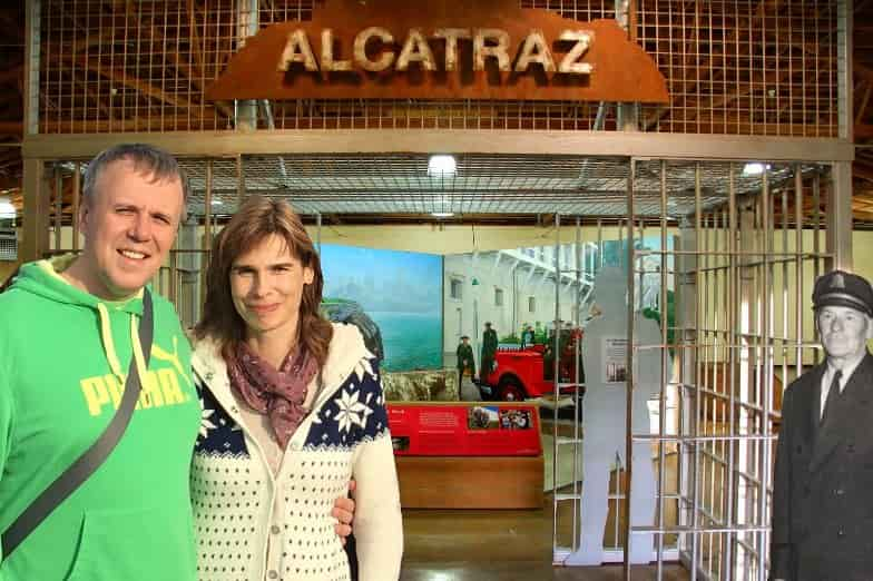 tourists-travelers-visiting-inside-Alcatraz-island-prison-min-