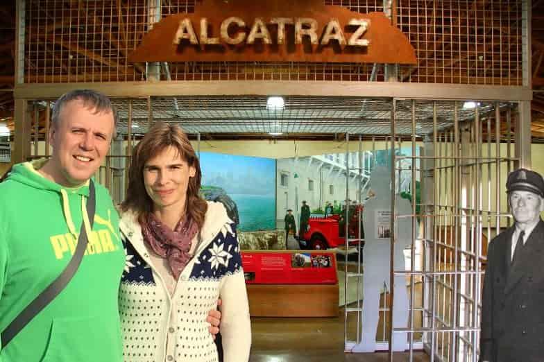 tourists-travelers-visiting-inside-Alcatraz-island-prison-min-