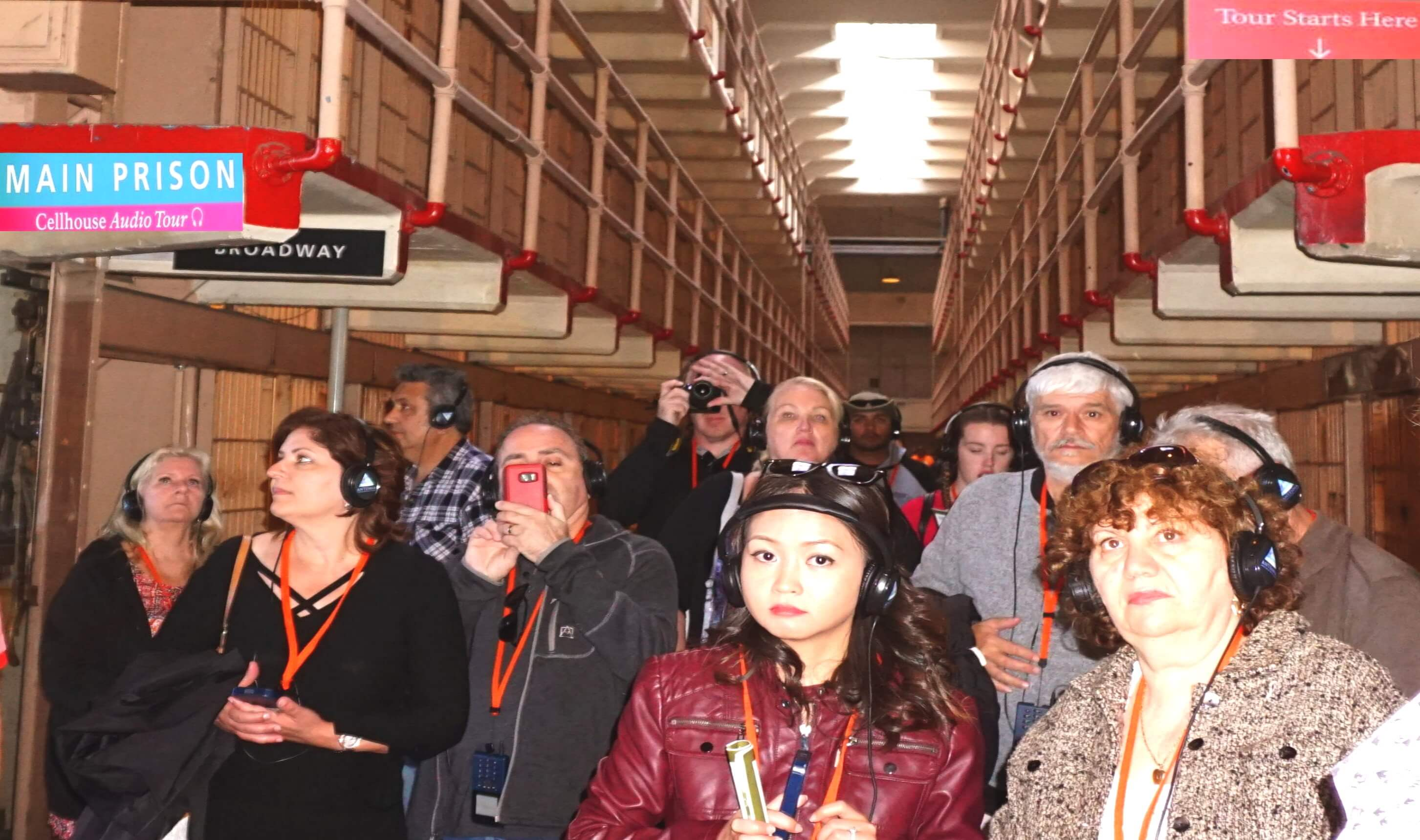 tourists_visiting_a_cell_block_in_alcatraz_prison_cells