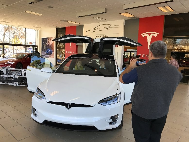visit-Tesla-factory-tour-car-car-drive-retail-sotre-